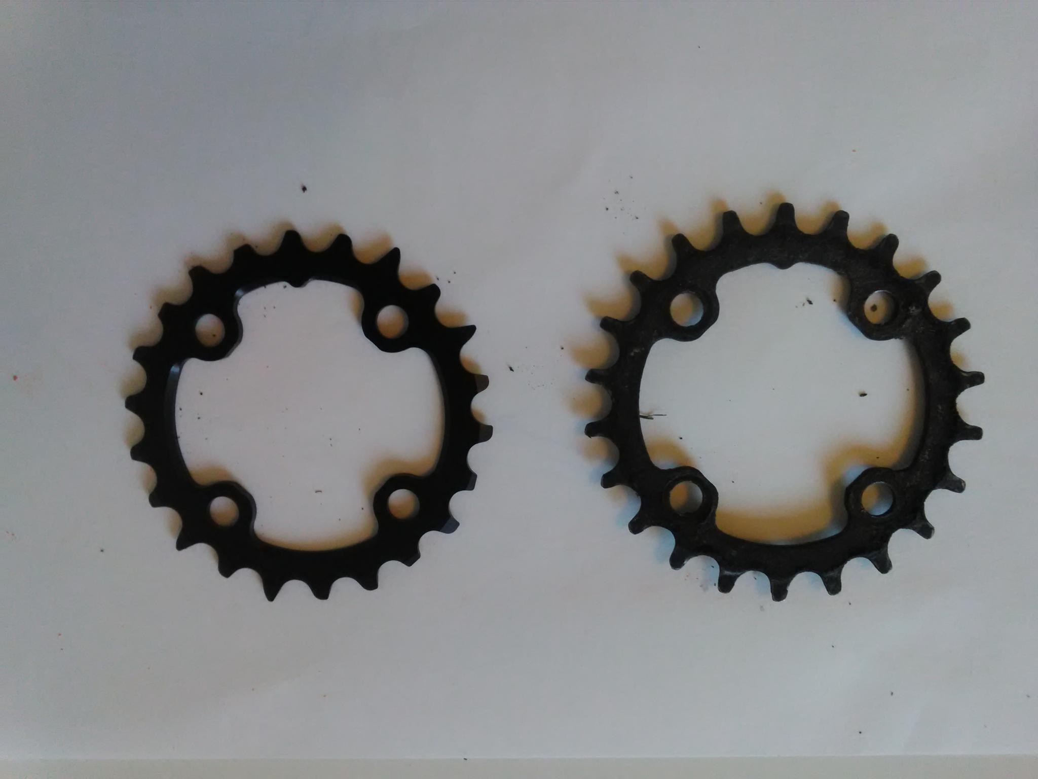 Nya klingan till vänster, gamla till höger